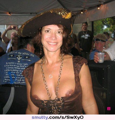 naked flasher halloween costume women