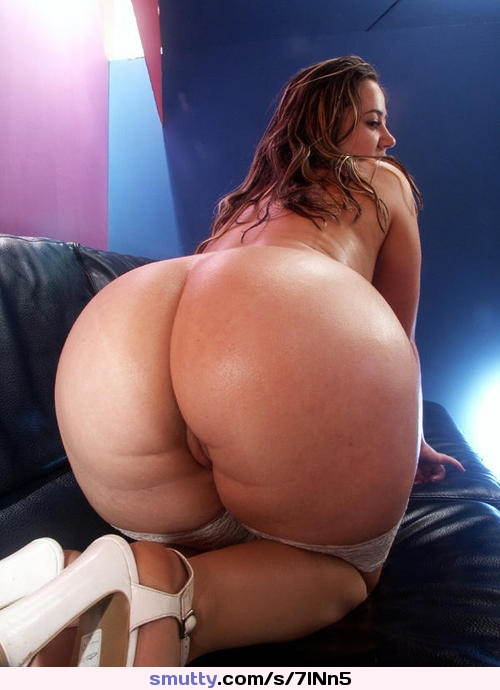 Round booty tonya anal fucked for cash