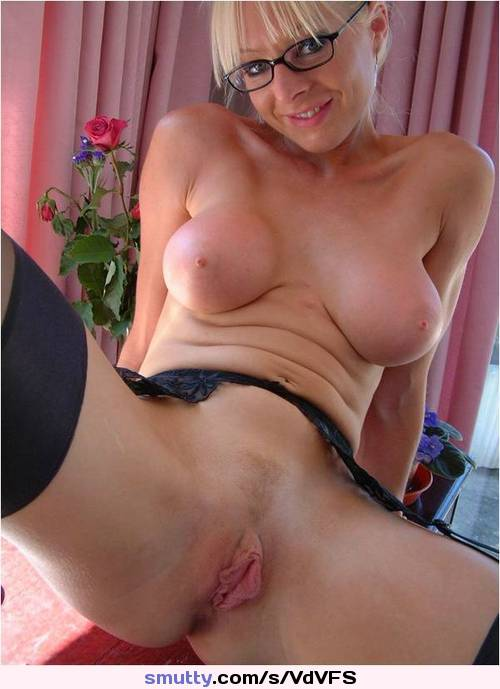 Have faced amateur mature wife with glasses