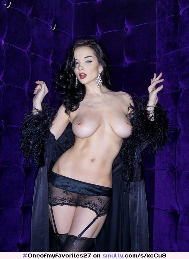 #Jenya #YevgeniyaDiordiychuk #lingerie#piercednipples #myJNY #mypnp #iwfk