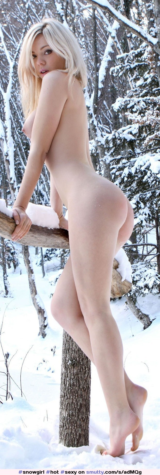 #hot #sexy #Naked #blonde #sideboob #nilles #ass #legs #snow