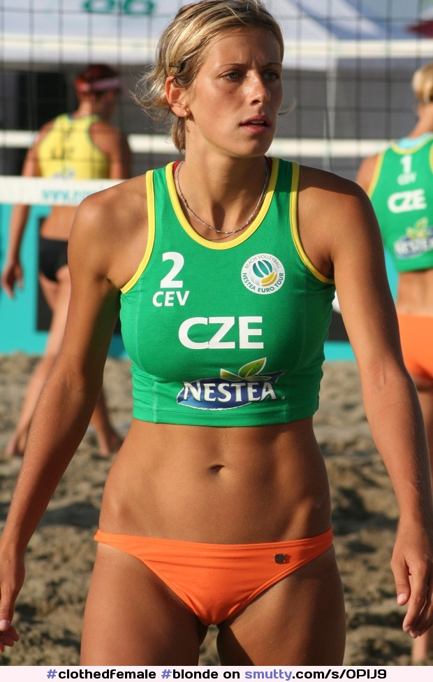 #blonde #fit #athletic #abs #nonude #tanned #peachfuzz #hairyarms #sporty #sports #beachvolleyball