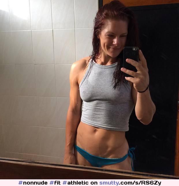 #nonnude #fit #athletic #hardbody #EliseRoseHoefsmit #nobra #braless