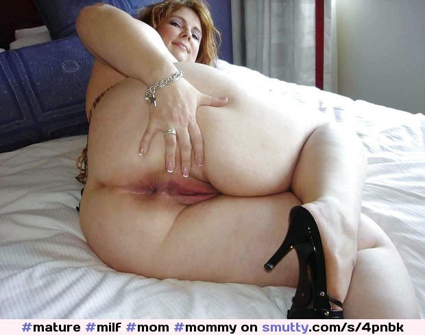 Mommy cougar big ass