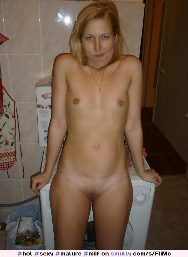Voyer mature cougar nudes
