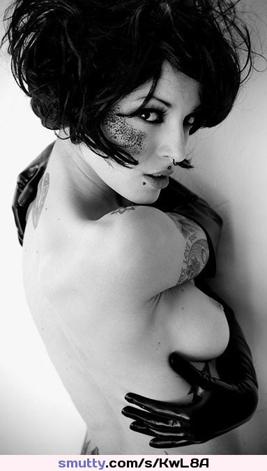 #emo #brunette #tattoed #eyecontact #topless #erotic #beautiful