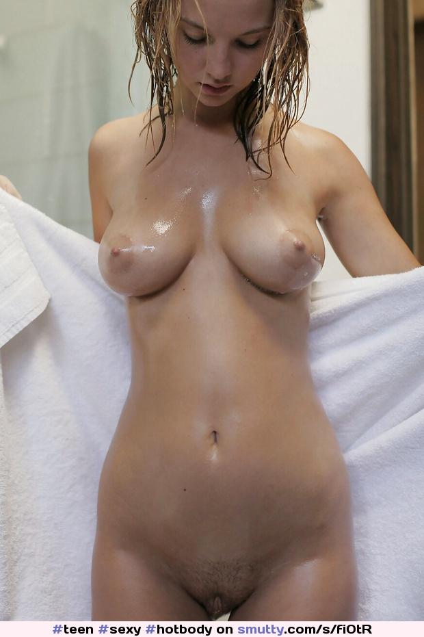 Blode boobs shower