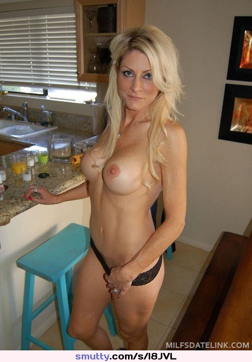 Nude fit amateur milf have