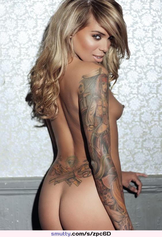 Sexy Tattoo Frau
