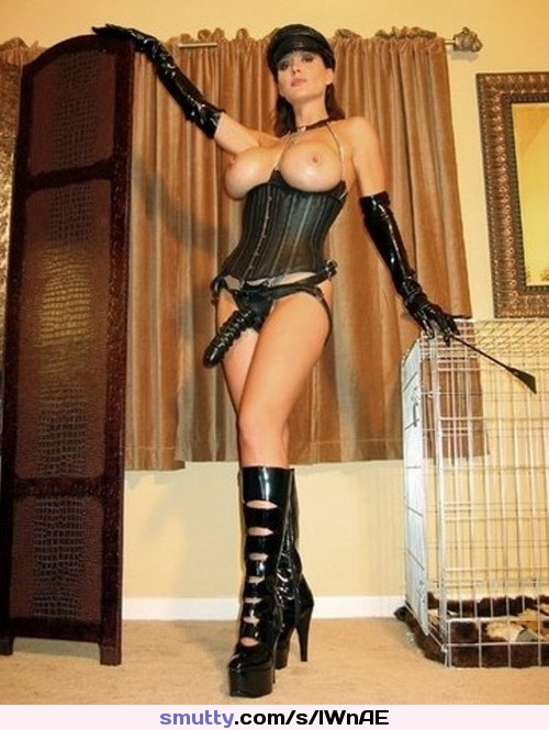 Mistress strapon