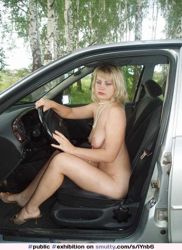Are Naked mom in car
