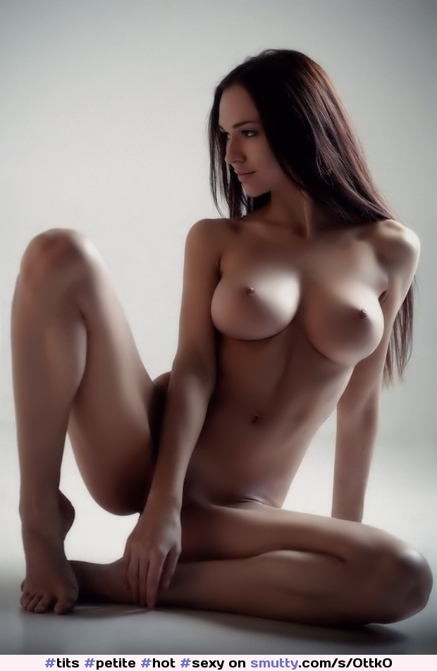 Perfect Tits Pussy Solo