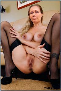 alastonsuomi haku eroottiset kertomukset